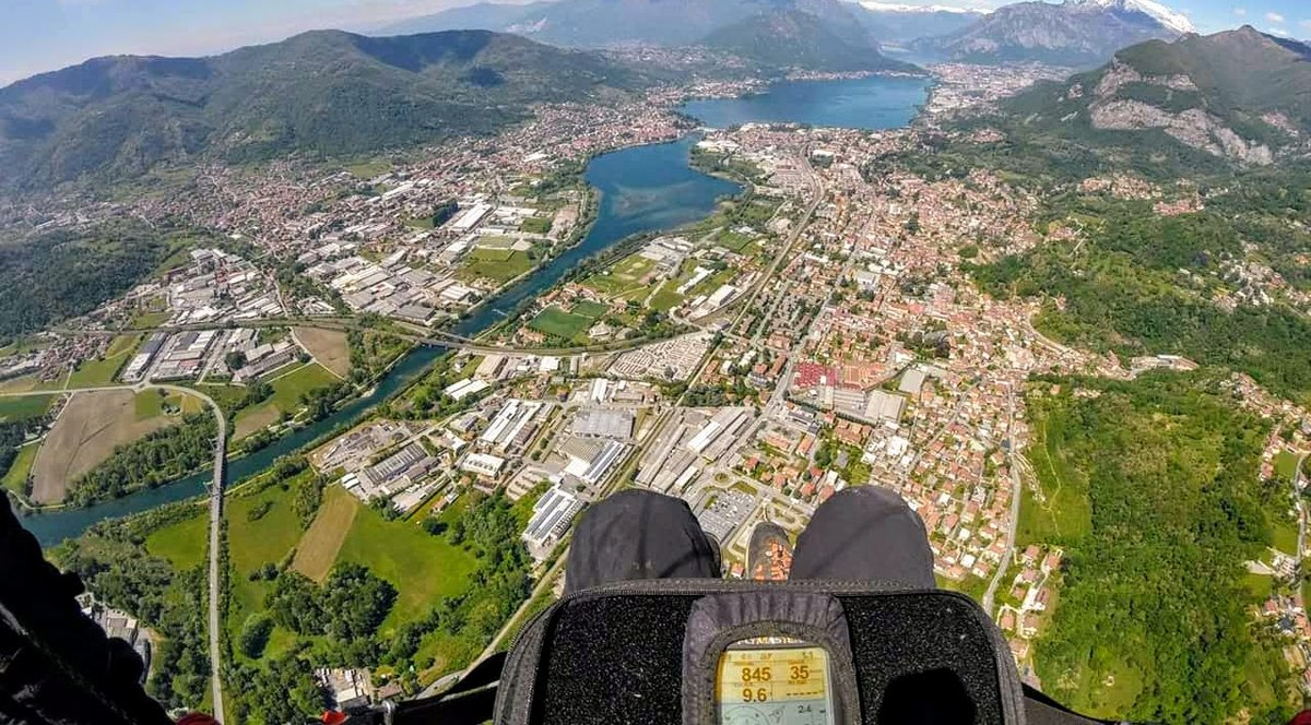 Paragliding in Italy