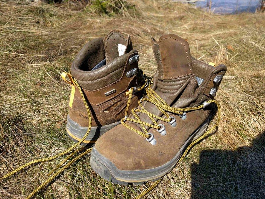 QUECHUA men's hiking boots - TREK 600