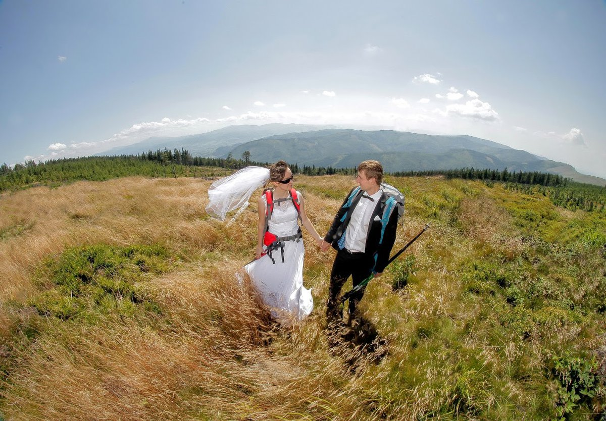 Outdoor wedding photoshoot in Beskidy mountains, Poland