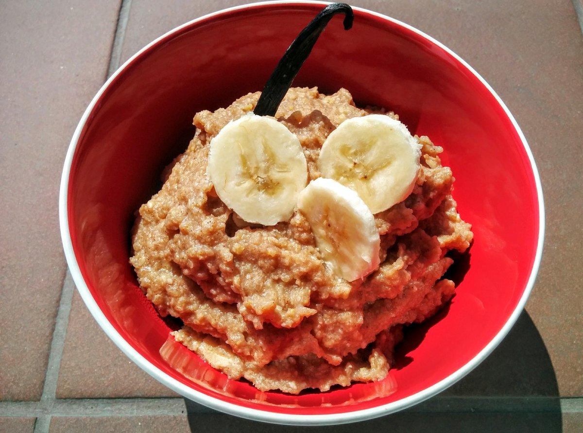 Super healthy breakfast - millet and banana