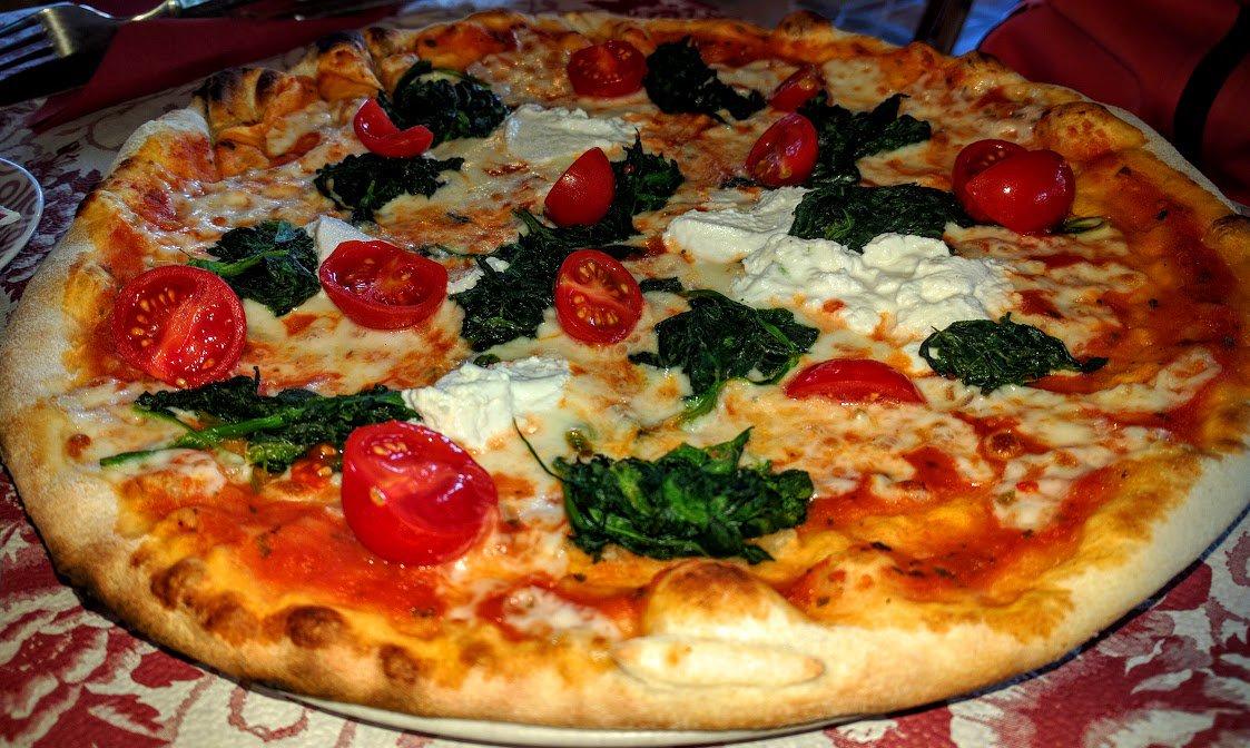 Italian vegetarian pizza tri colore